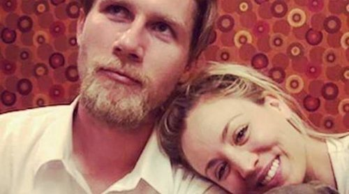 Kaley Cuoco y Karl Cook se van a vivir juntos un año después de haberse casado