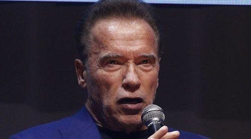 Arnold Schwarzenegger dona 1 millón de dólares a una fundación que recogerá suministros para hospitales