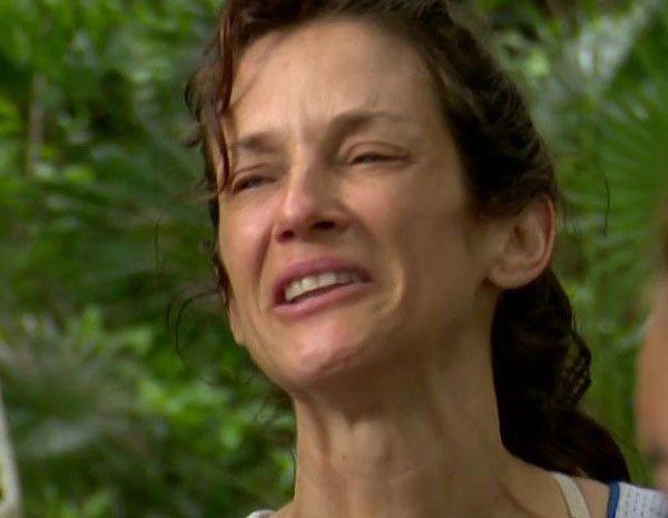 """Elena defiende a Adara en 'Supervivientes 2020': """"Cualquiera que saque algo de mi hija tendrá una demanda"""""""
