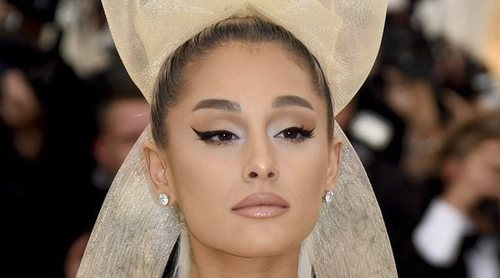 Ariana Grande y su madre ponen una orden de alejamiento a un fan que confesó querer asesinar a la cantante