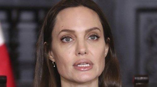Angelina Jolie dedica una carta a su madre y recuerda su muerte: 'Me cambió su marcha'