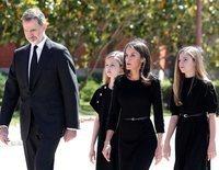 Los Reyes Felipe y Letizia, Leonor y Sofía se suman al minuto de silencio por las víctimas del coronavirus