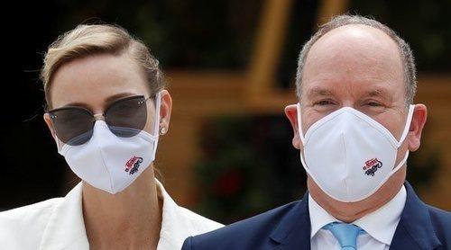 Charlene de Mónaco, muy pendiente de su marido Alberto de Mónaco en un evento que ha reunido a toda la familia