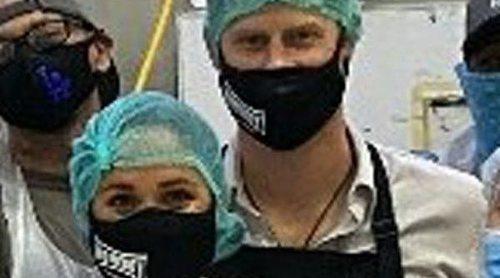 El Príncipe Harry y Meghan Markle, entre fogones para ayudar en la crisis del coronavirus