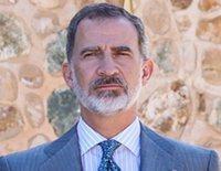 La costumbre traiciona al Rey Felipe en su encuentro con Pedro Sánchez en la reapertura de la Frontera España-Portugal