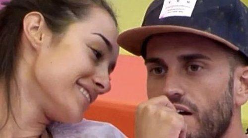 Primera crisis de pareja para Adara y Rodri por el último 'Deluxe' de ella reencontrándose con Gianmarco