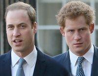 Así empeñaron los problemas del Príncipe Guillermo y el Príncipe Harry un posado familiar como homenaje al Príncipe Carlos
