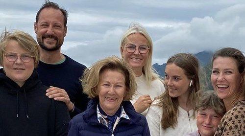 Las vacaciones de la Familia Real Noruega que muestran su unidad: senderismo y naturaleza