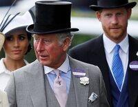 La Casa Real Británica desmiente al Príncipe Harry: el Príncipe Carlos financió a los Sussex hasta verano de 2020