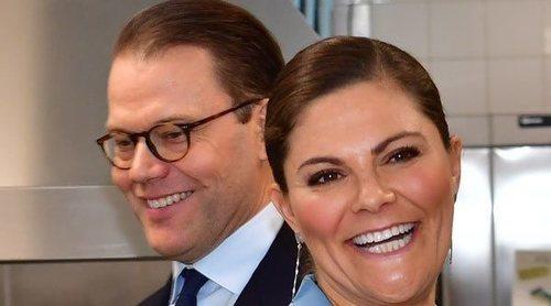 Victoria y Daniel de Suecia 'arrebatan el puesto' a Carlos Felipe y Sofia de Suecia en su visita a Södermanland