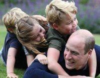 Las vacaciones del Príncipe Guillermo y Kate Middleton con sus hijos que confirman su tendencia