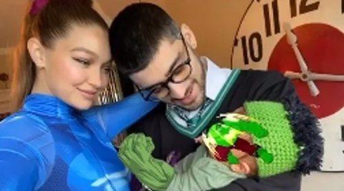 Gigi Hadid y Zayn Malik comparten su primera foto familiar junto a hija celebrando Halloween