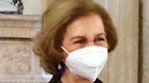 El regreso de la Reina Sofía a la agenda oficial: un acto breve, homenaje a un poeta y pocas palabras