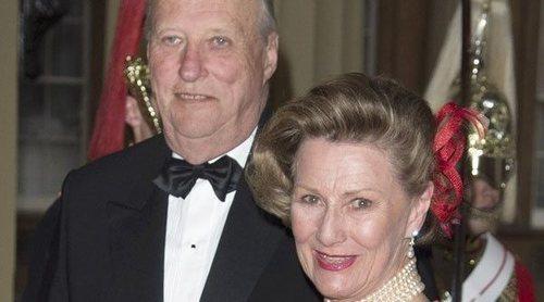 Harald y Sonia de Noruega dan negativo en coronavirus y abandonan la cuarentena