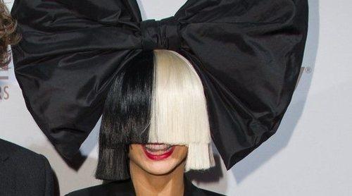 La cantante Sia se suma a las acusaciones de FKA Twigs sobre Shia LaBeouf