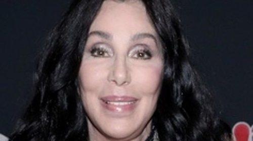 Cher revela que un hombre intentó matarla antes de una actuación: 'Dijo si haces un sonido, te mataré'