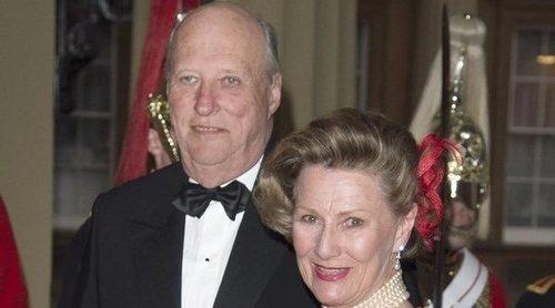 El posado de Harald y Sonia de Noruega por sus 30 años de reinado: 'Gracias por acompañarnos en este viaje'