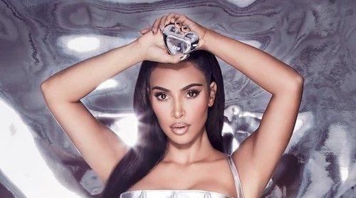 Kim Kardashian celebra San Valentín 2021 con el lanzamiento de 'KKW Metallic Hearts'
