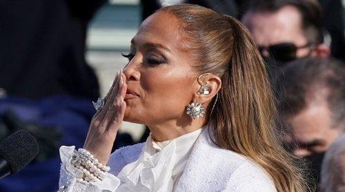 Jennifer Lopez hace historia pronunciando el juramento a la bandera estadounidense en español