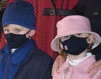 Alberto y Charlene de Mónaco y sus hijos Jacques y Gabriella, fieles a Santa Devota pese a la pandemia