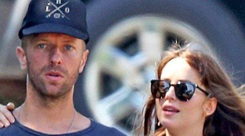 Dakota Johnson y Chris Martin se han comprado una lujosa mansión en Malibú