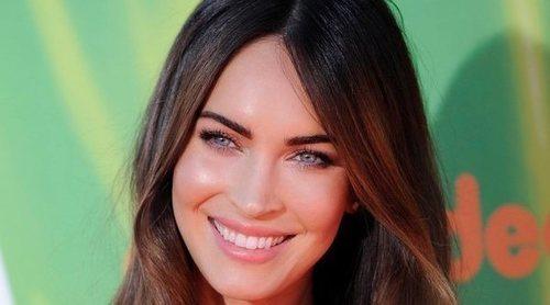El anillo que ha provocado los rumores de boda entre Megan Fox y Machine Gun Kelly