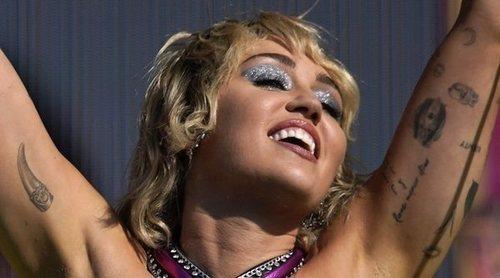 Miley Cyrus abre su corazón durante su concierto en la Super Bowl 2021: 'Por todos los que nos hemos sentido rotos'