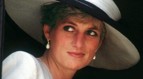 El motivo por el que Lady Di dejó de vestir de Chanel tras divorciarse del Príncipe Carlos
