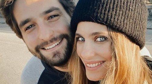 Vanesa Romero y Emilio Esteban hacen oficial su noviazgo: 'Que siga la música en nuestros corazones'