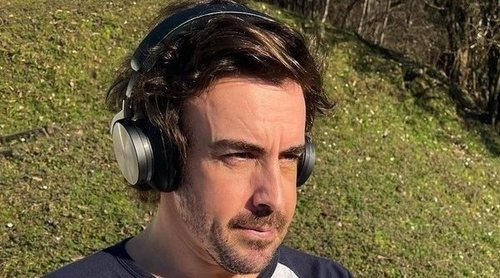 Fernando Alonso muestra su rostro tras la operación de mandíbula después de ser atropellado por un vehículo