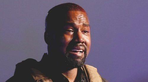 Kanye West se quita la alianza e intenta deshacerse de las joyas de Kim Kardashian