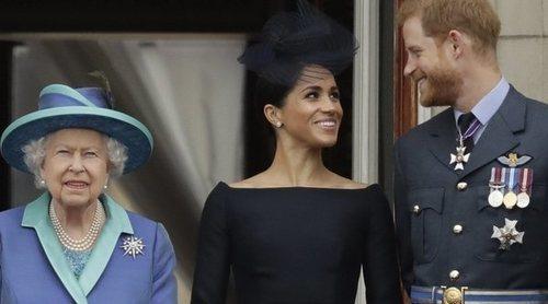 El Príncipe Harry y Meghan Markle mantienen el contacto con la Reina Isabel a través de correo electrónico