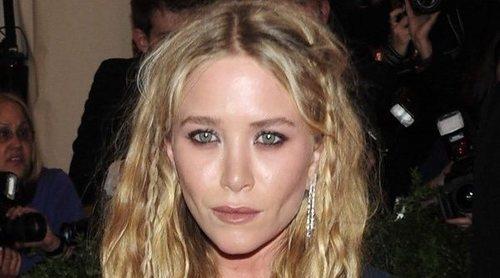 Mary-Kate Olsen disfruta de una cena con un chico un mes después de divorciarse de Olivier Sarkozy