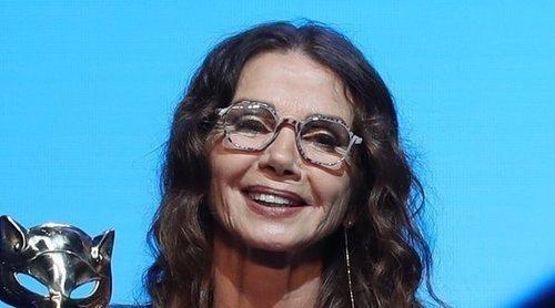 Victoria Abril lo consigue: Recoge su Premio Feroz de Honor 2021 sin mascarilla