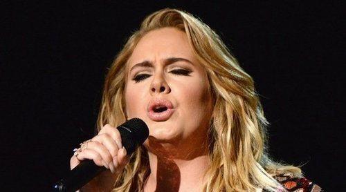 Adele y Simon Konecki obtienen el divorcio dos años después de su ruptura