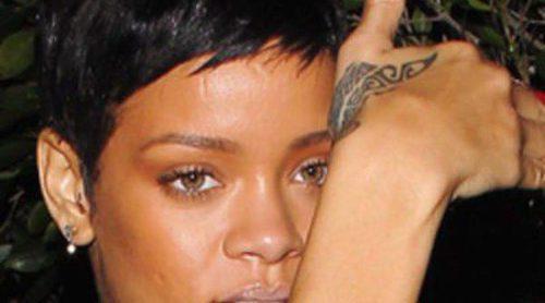 Rihanna regala un conjunto de lencería a Adele para celebrar su maternidad con Simon Konecki