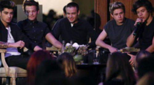 Las fans de One Direction acampadas desde hace cinco días para arropar a su grupo en el programa 'Tuesday Today Show'