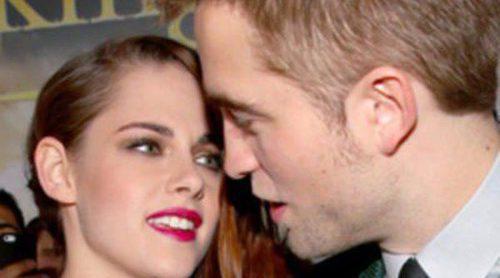 Robert Pattinson y Kristen Stewart, muy cómplices en el estreno de 'Amanecer. Parte 2' en Los Ángeles