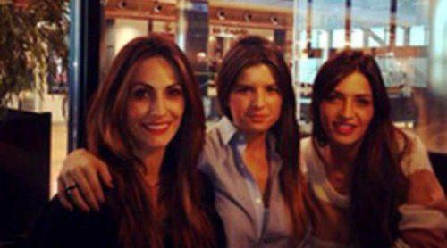 Sara Carbonero, Nagore Aramburu y Marta Ponseti, las chicas del Real Madrid se van de compras