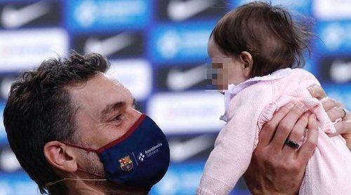 Pau Gasol regresa al FC. Barcelona de Baloncesto en una presentación en la que su hija Ellie ha sido la protagonista