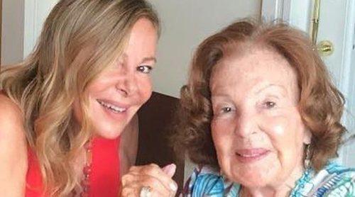 La madre de Ana Obregón recibe el alta hospitalaria