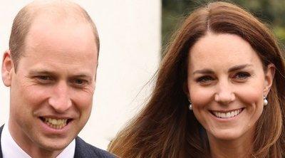 El primer acto del Príncipe Guillermo y Kate Middleton tras el funeral del Duque de Edimburgo: vuelve la sonrisa, sigue luto