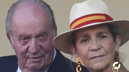 La Infanta Elena habla del Rey Juan Carlos en su reaparición en los toros: de cómo está a su apoyo desde la distancia