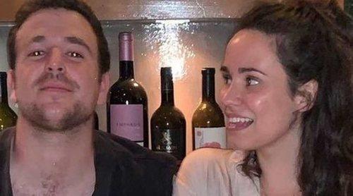 Carolina Monje se va de viaje para desconectar una semana antes de cumplirse el primer año de la muerte de Álex Lequio