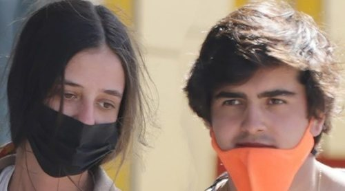 Victoria Federica y Jorge Bárcenas finalizan sus vacaciones en Ibiza: un gesto de amor y un error