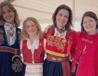 La Casa Real Noruega da su sitio a Marta Luisa de Noruega y sus hijas en el Día Nacional de Noruega 2021