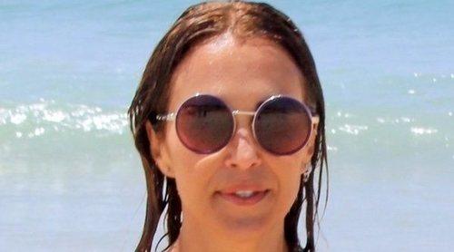 Paula Echevarría inaugura la temporada de baños con su hija Daniella