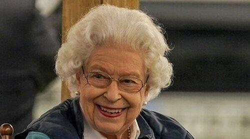 La Reina Isabel asiste al Royal Windsor Horse conduciendo su propio coche