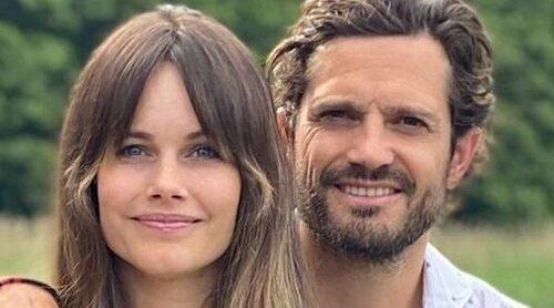 Carlos Felipe y Sofia de Suecia protagonizan su primer posado con sus tres hijos