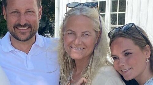 El homenaje de Mette-Marit de Noruega a Haakon de Noruega por su cumpleaños con inesperado retrato familiar